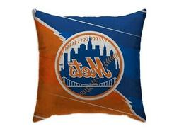 "Pegasus Sports MLB New York Mets Split Design 18"" x 18"" Thro"