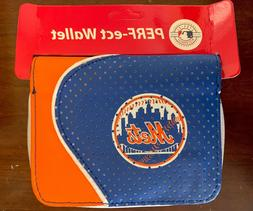 New York Mets Perf-ect Perfect Snap Zipper Close BiFold Wall