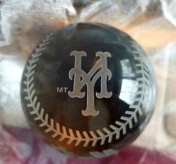 NIB MLB CRYSTAL BASEBALL PAPERWEIGHT - NEW YORK METS - AMAZI